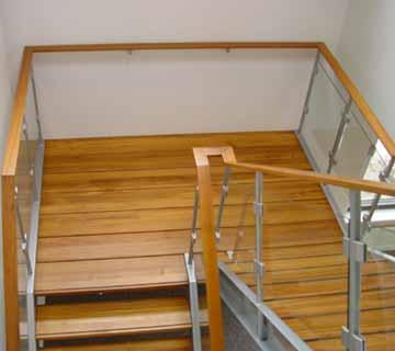 Zoeksnoek steektrappen hoograven trappenfabriek b v for Doorloophoogte trap
