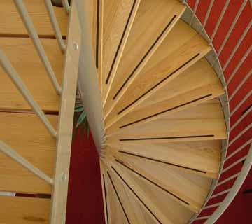 Zoeksnoek spiltrappen hoograven trappenfabriek b v for Doorloophoogte trap